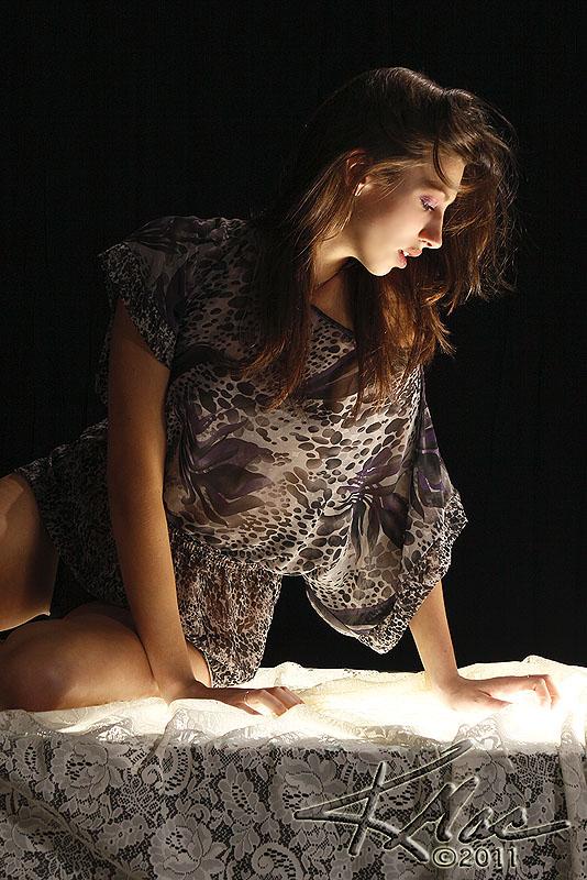 http://photos.modelmayhem.com/photos/110516/13/4dd18f940e7bc.jpg