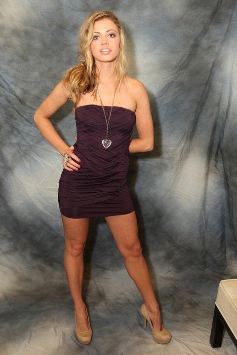 Female model photo shoot of Callie Cargill
