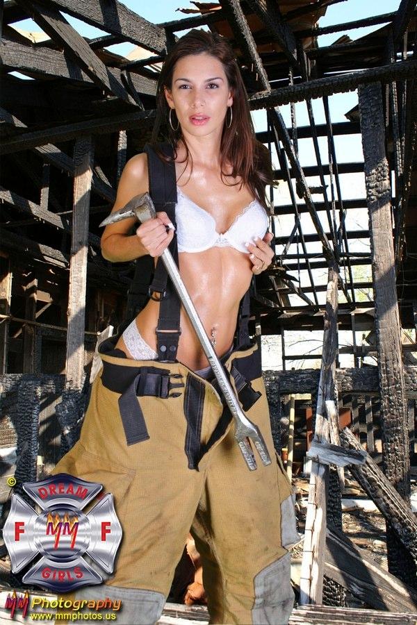 Female model photo shoot of Gatita_Audaz