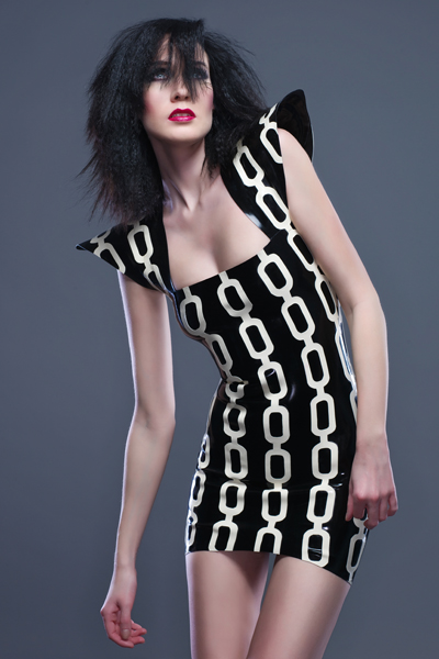 May 20, 2011 Julian Kilsby (model Iveta) CHAIN dress www.kaorislatexdreams.com/shop/chain_dress/