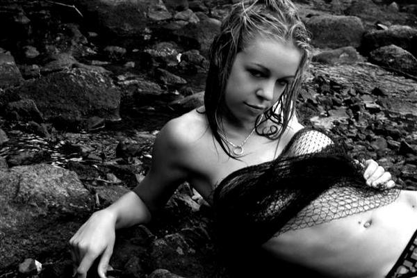Female model photo shoot of jessikore