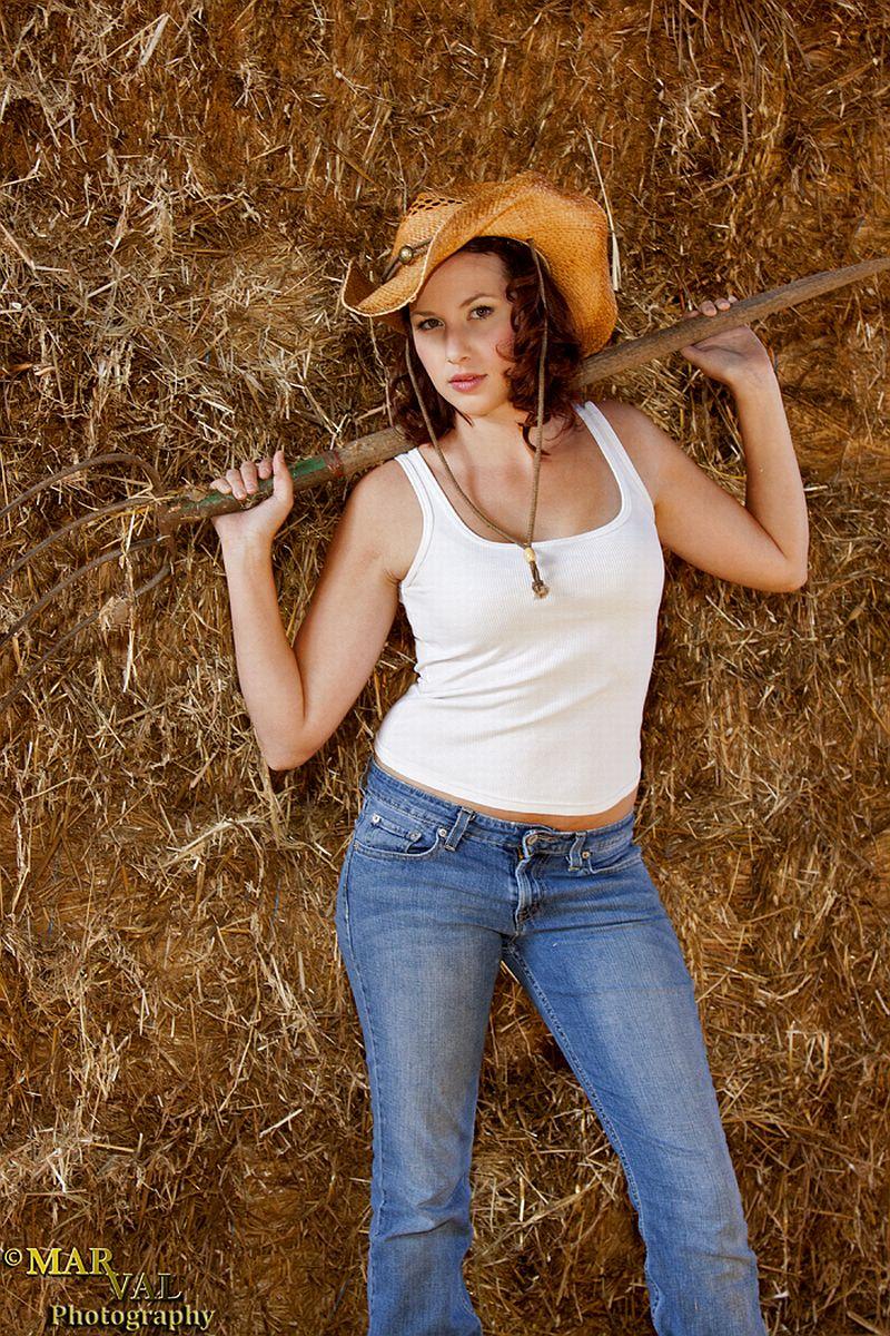Female model photo shoot of Kelly Pepper by MarVal Photograhpy in Visalia