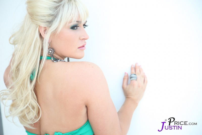 Female model photo shoot of Sarah-Patricia  in Miami Beach, Florida
