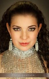 http://photos.modelmayhem.com/photos/110606/22/4dedb6bfbeb6f_m.jpg
