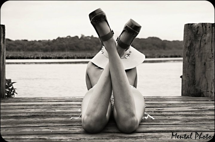 Female model photo shoot of Roxanne Booshay by MentalPhotoz