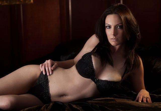 http://photos.modelmayhem.com/photos/110609/11/4df10ce53ebd6.jpg