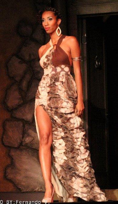 Female model photo shoot of Elizabeth Carson Racker in Los Angeles