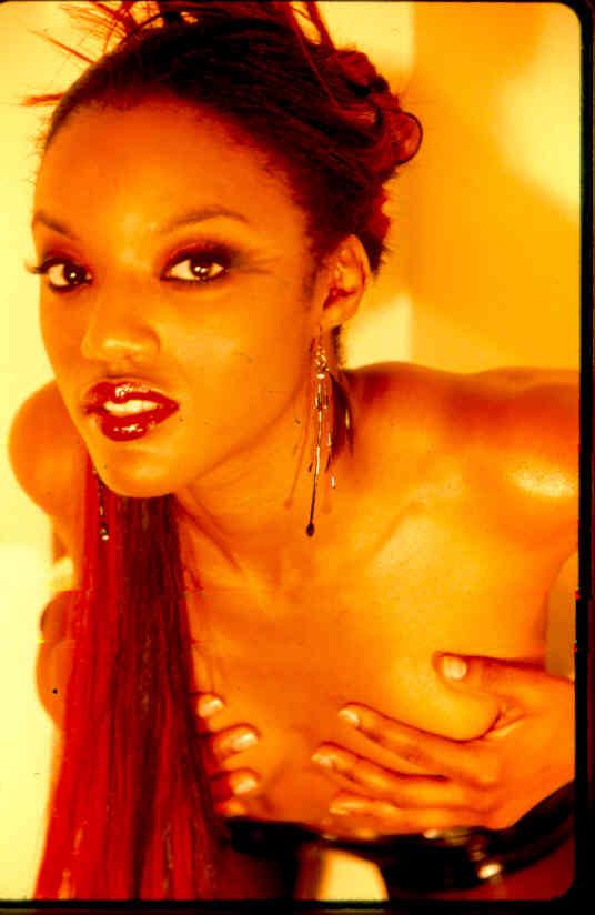 Female model photo shoot of Qalii Dymm