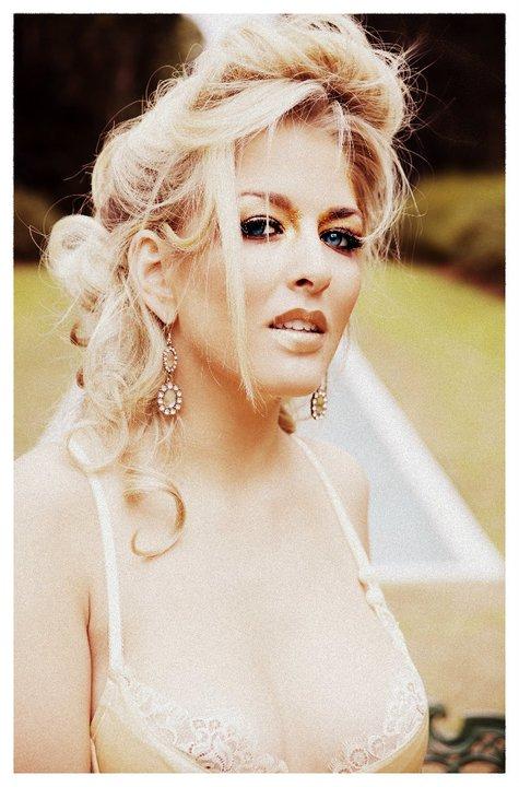 Female model photo shoot of Jenny Elise