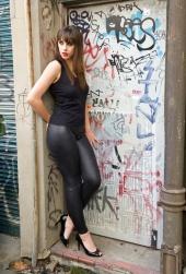 http://photos.modelmayhem.com/photos/110618/04/4dfc904fb3bd0_m.jpg