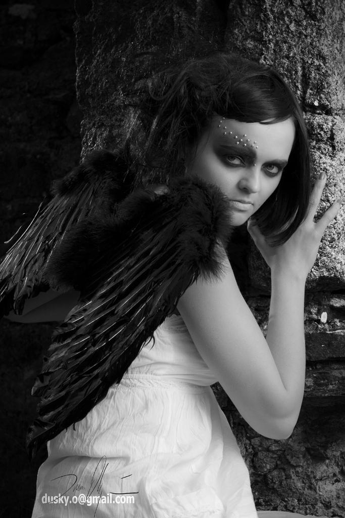 Female model photo shoot of LArt MakeUp by Dusky Photography