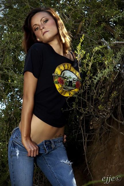 Female model photo shoot of Shellie G