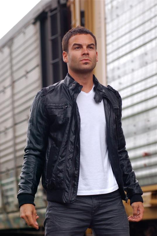 Male model photo shoot of Steven Edward in Toronto, Canada