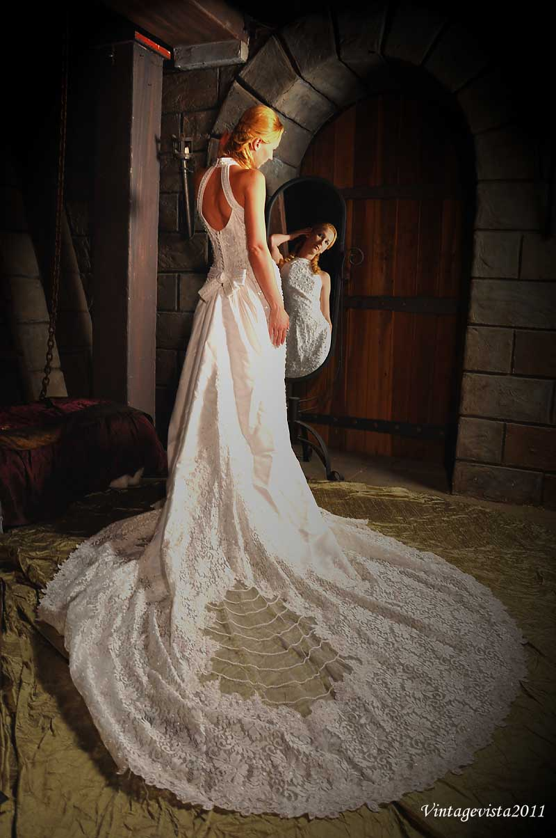 http://photos.modelmayhem.com/photos/110624/16/4e0517798809e.jpg