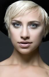http://photos.modelmayhem.com/photos/110625/00/4e0590d27627c_m.jpg