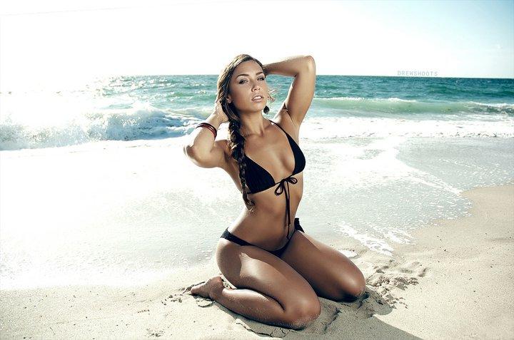 Dania, FL Jun 28, 2011 DREWSHOOTS Beach Shoot with Drew Blood