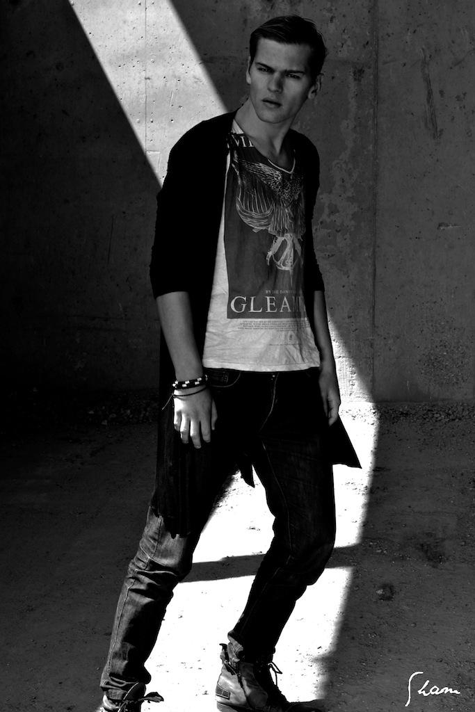 Male model photo shoot of Sham photographer and Dan Brett