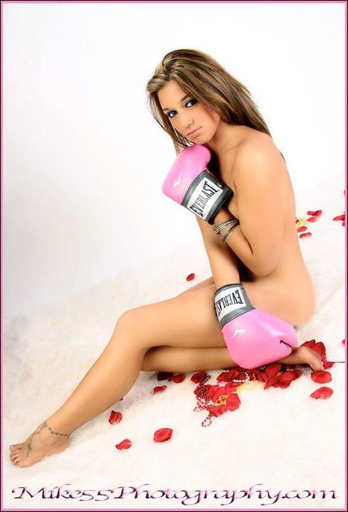 Female model photo shoot of L Pawlowski by Mike 55 Photography