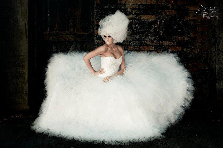 Jun 30, 2011 stylist link: http://www.facebook.com/l.php?u=http%3A%2F%2Fwww.facebook.com%2Fkhoyada%23!%2Fpages%2FLINDALOLA-STYLE%2F112361215476497&h=xAQCIei9e