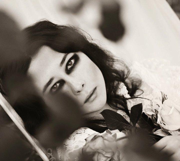 Female model photo shoot of Amy Lucas