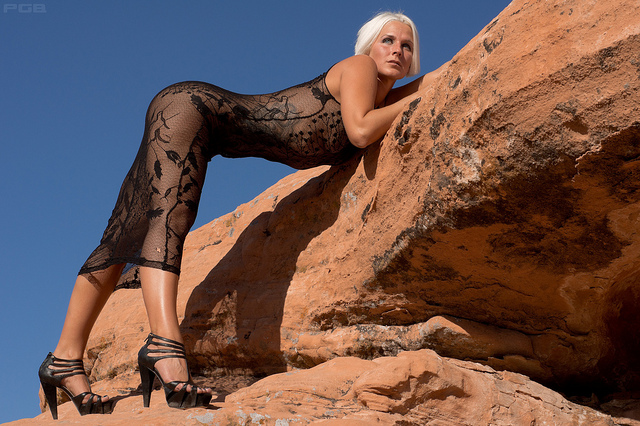 Female model photo shoot of Courtney Roxxx by Phillostar in Valley of Fire
