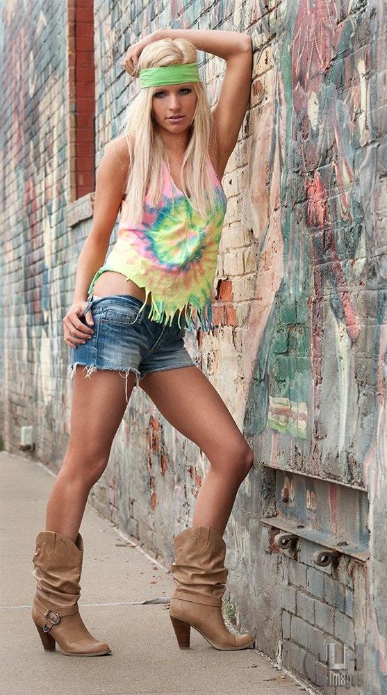 Peoria, IL Jul 05, 2011 Clancy Hardwick hippy skippy