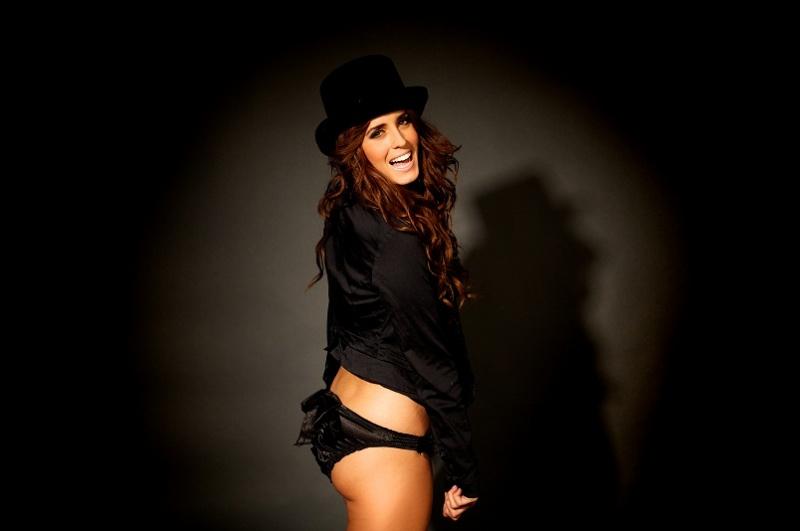 Female model photo shoot of alyssa stringfellow