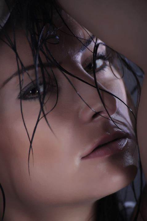 http://photos.modelmayhem.com/photos/110710/15/4e1a21920124a.jpg