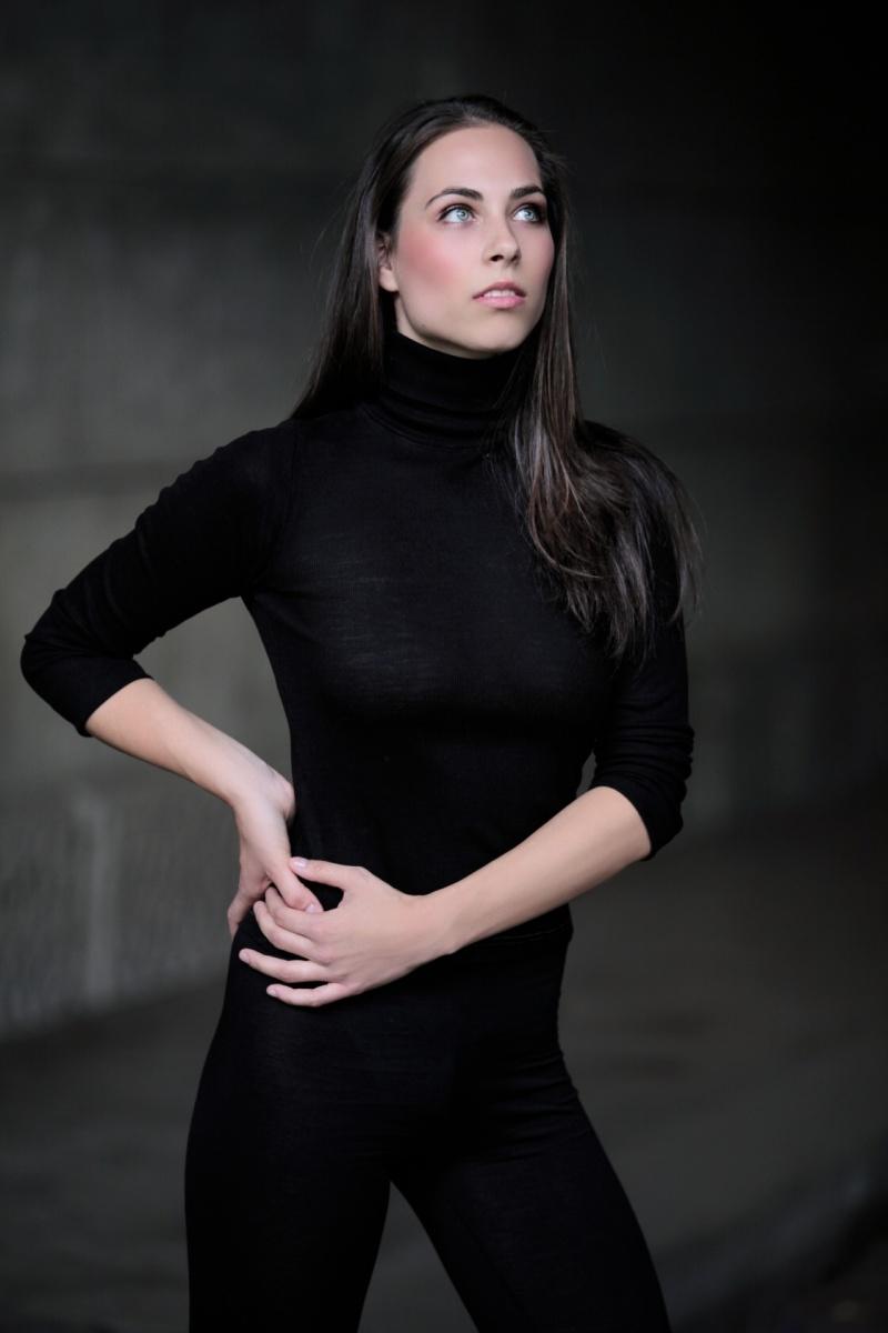 Female model photo shoot of Marienn
