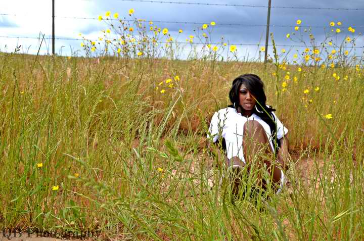 Female model photo shoot of Gia ONeal