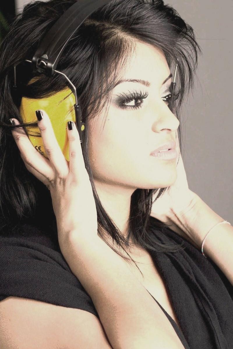 Female model photo shoot of Adri ana