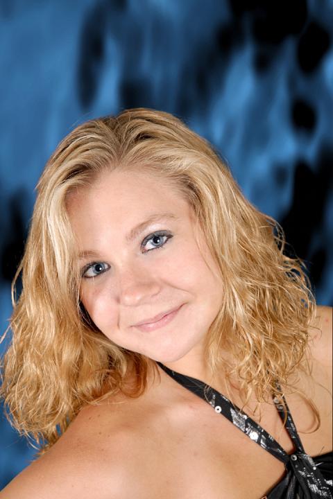 Female model photo shoot of Hannah Rose Nichols by digitalphotoconcepts