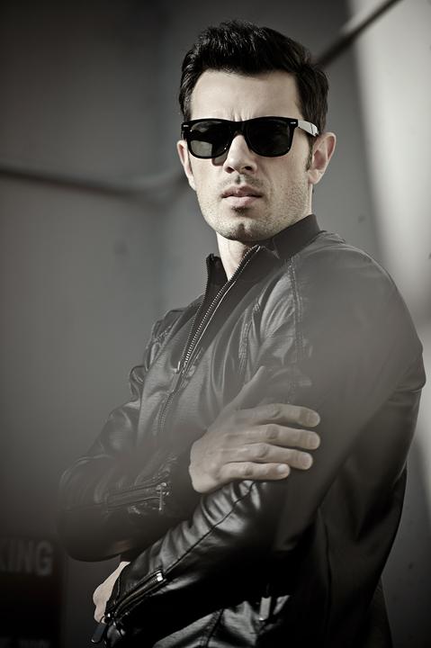 Male model photo shoot of Phillip Istomin