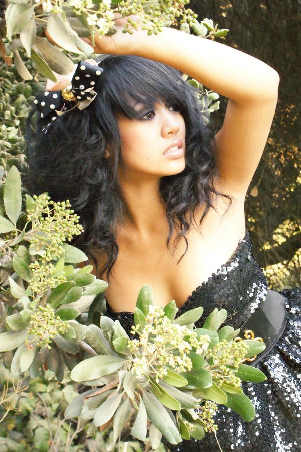 Female model photo shoot of Jessica V Fox