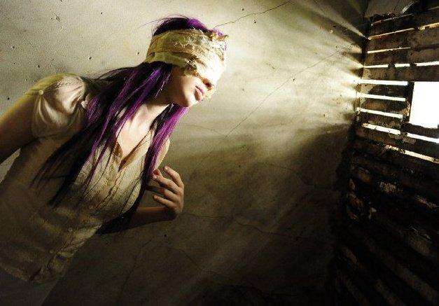 Female model photo shoot of Eva Strega