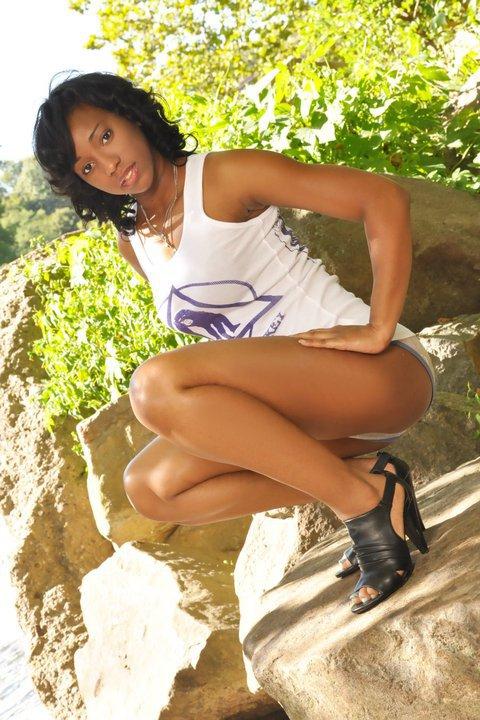 Female model photo shoot of MarloBadd