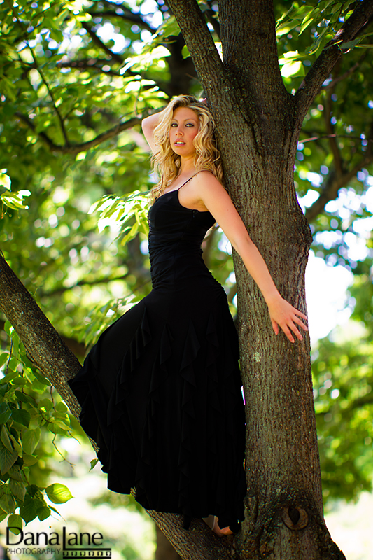 Amherst, MA Jul 20, 2011 Dana Lane Photography Heidi, up a tree