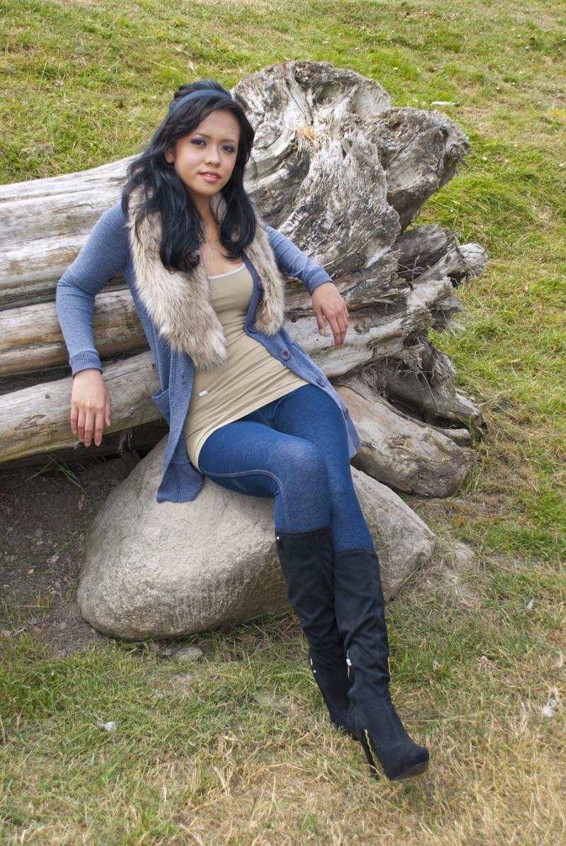 Female model photo shoot of Jessica Loafman and JaneStone in Alki Beach