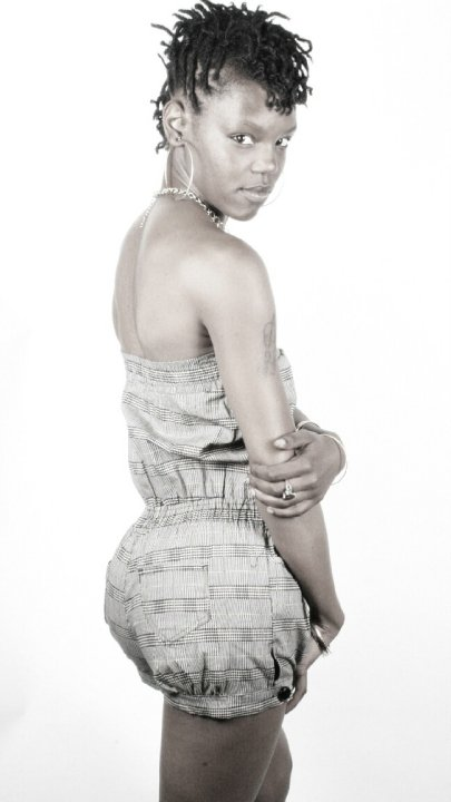Female model photo shoot of Cekita Janee