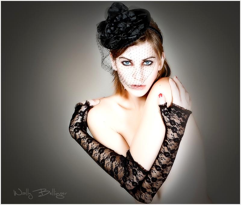 https://photos.modelmayhem.com/photos/110722/23/4e2a6e5678f23.jpg