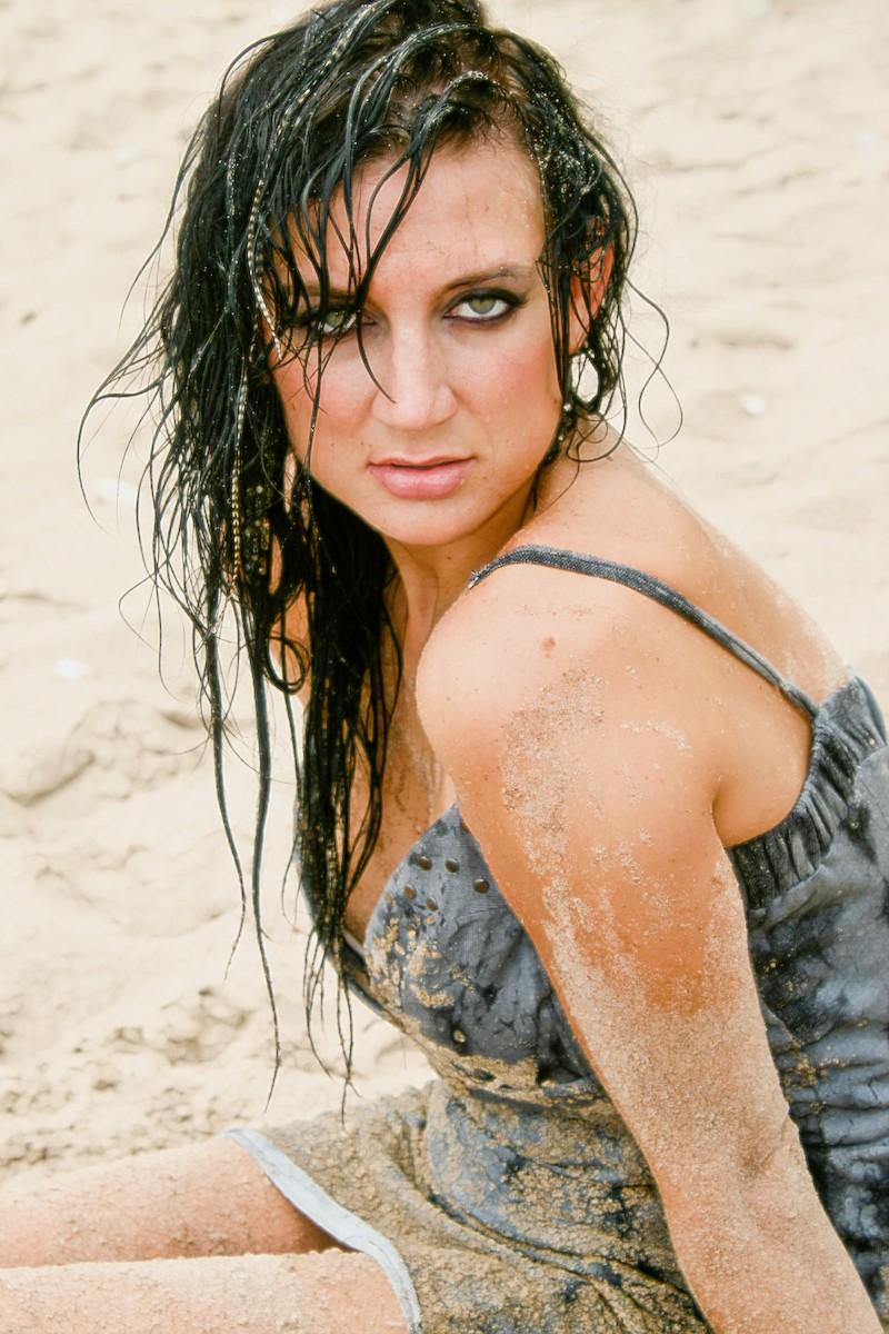 https://photos.modelmayhem.com/photos/110725/14/4e2de4a736a18.jpg