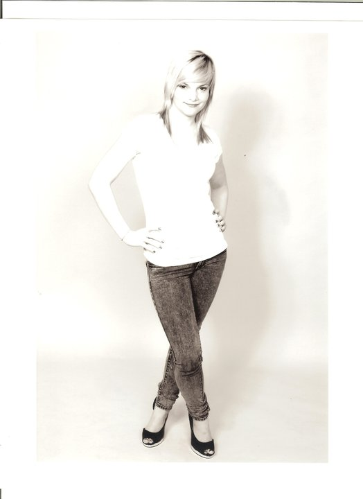 Female model photo shoot of Chrissy Luther
