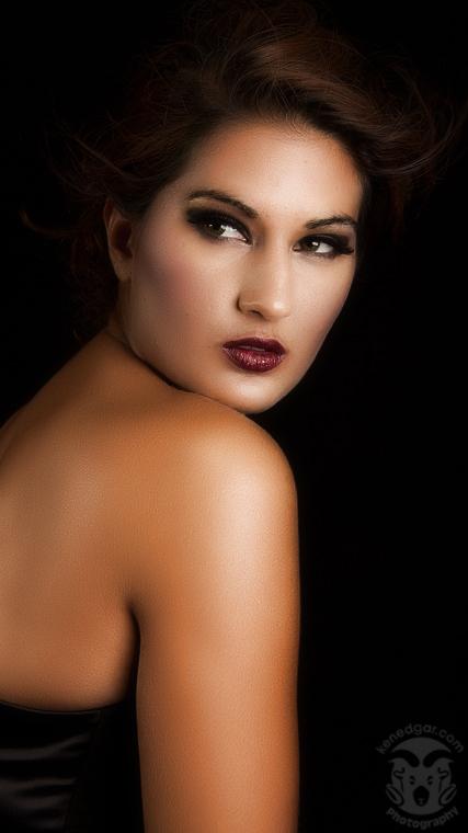 http://photos.modelmayhem.com/photos/110727/23/4e310866d1cc8.jpg