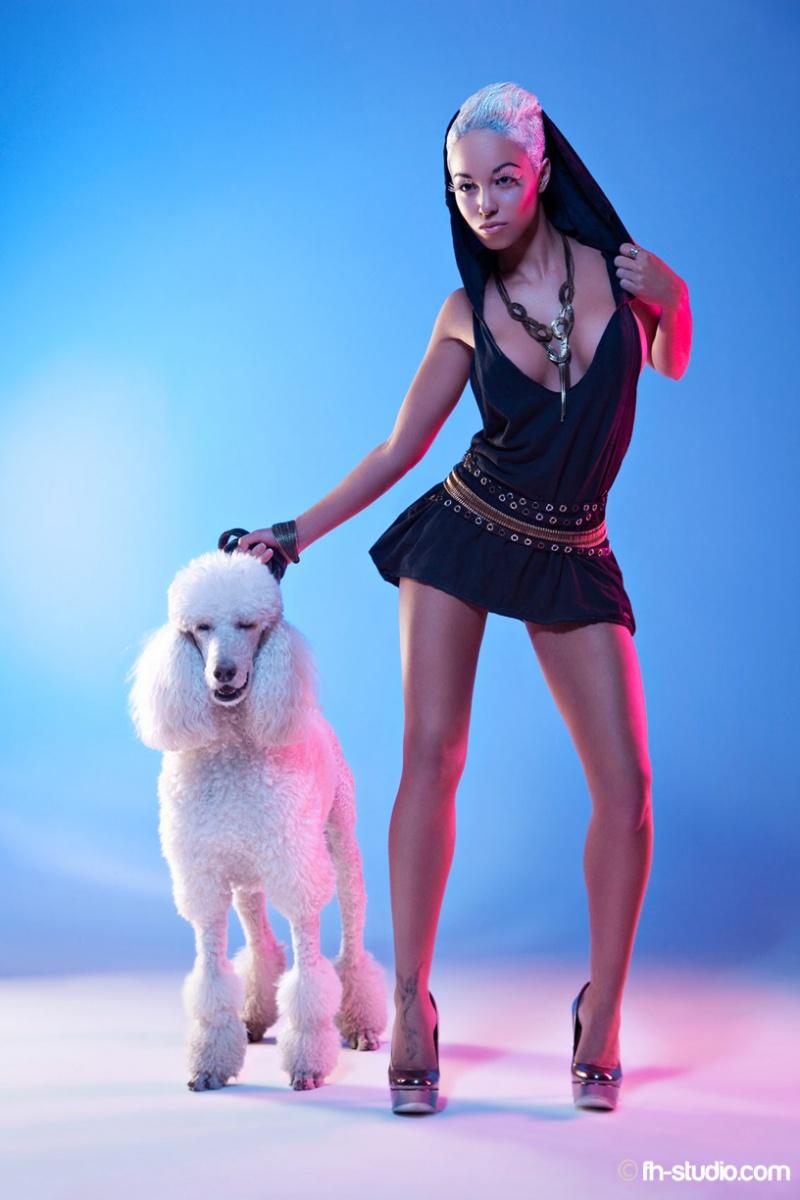 http://photos.modelmayhem.com/photos/110728/09/4e319318e577a.jpg