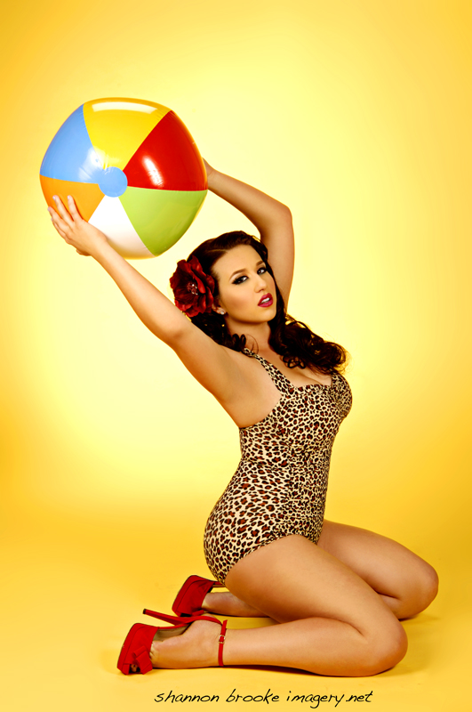 Anaheim, CA Aug 01, 2011 Shannon Brooke Summer time!