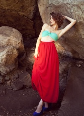 http://photos.modelmayhem.com/photos/110801/12/4e370392e903d_m.jpg