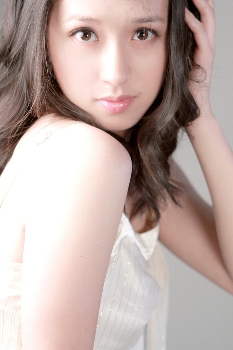 Female model photo shoot of Aiwen