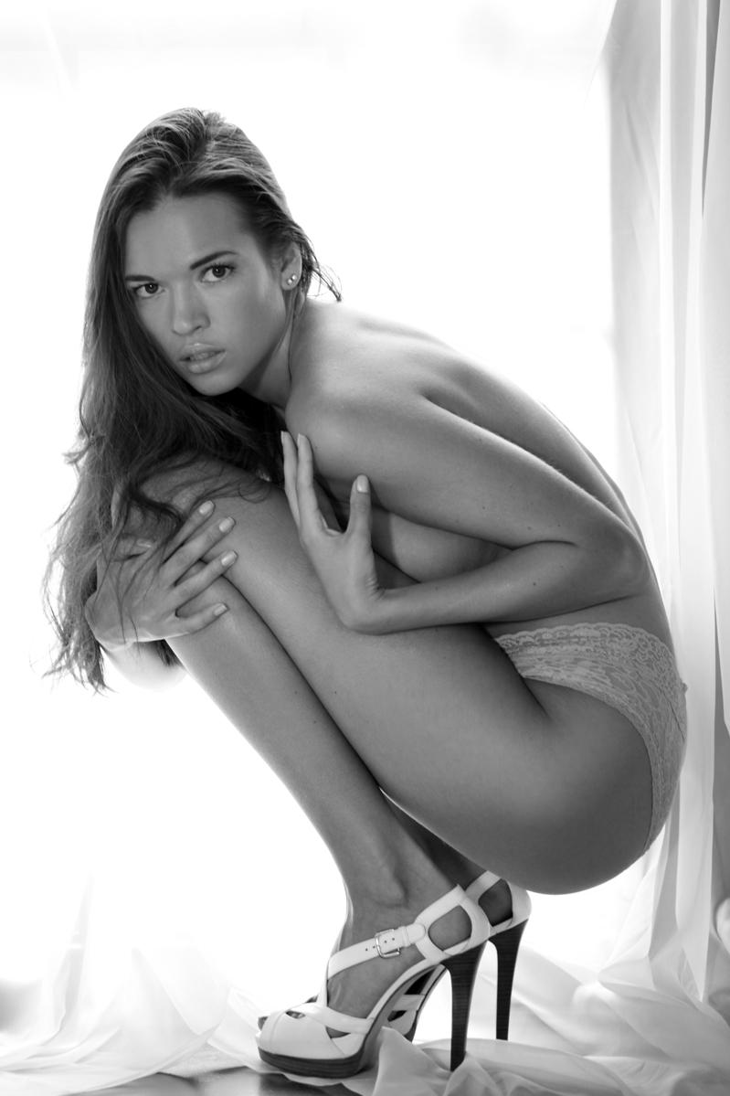 Female model photo shoot of Anastasia Z