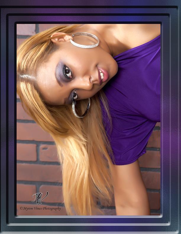 Female model photo shoot of Joy Hart