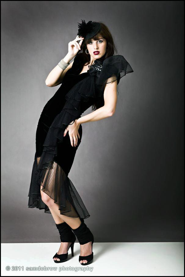 http://photos.modelmayhem.com/photos/110806/06/4e3d40608b700.jpg